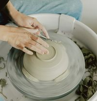Introduction to pottery wheel throwing