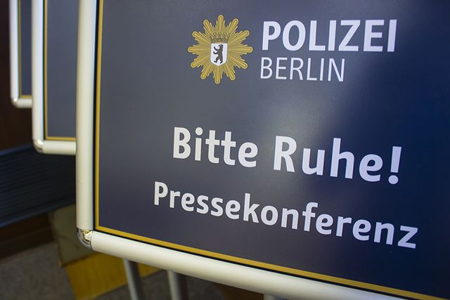 My PHOTOS on BERLINO MAGAZINE. Interview to the Berlin's police.